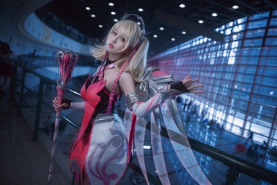 Cosplay extremely beautiful and comfortable